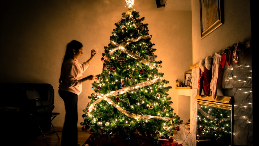 surviving the holidays alone after divorce