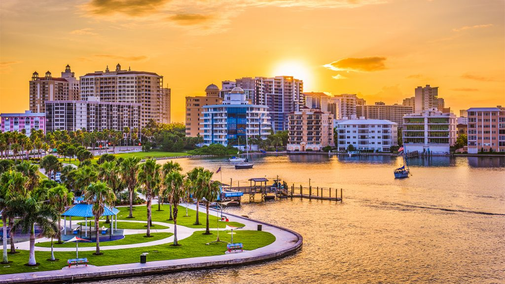 Financial aid for single moms in Florida cities Miami and Jacksonville