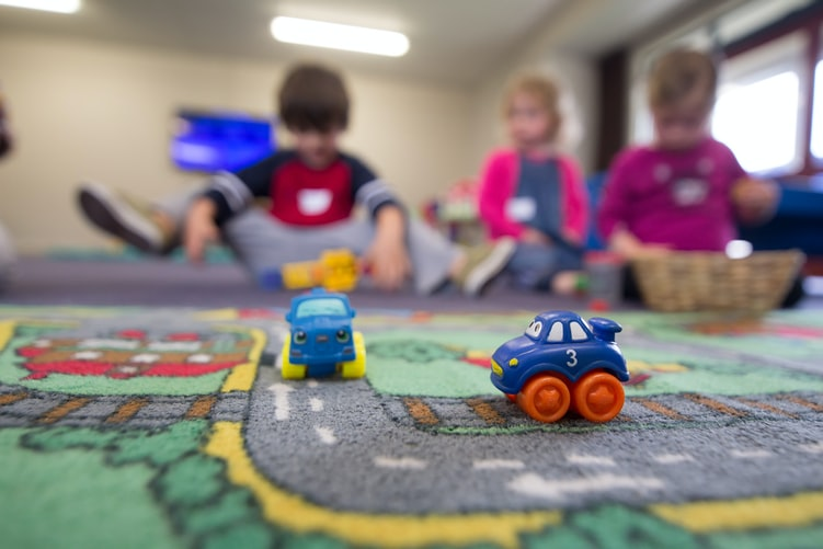 Daycare discounts for single mothers